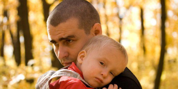 حقيقة علمية.. اكتئاب ما بعد الولادة يصيب الرجال أكثر من النساء