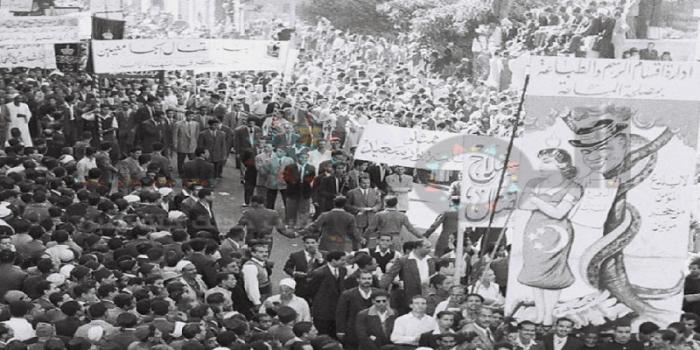 من فتح كوبري عباس على الطلبة في المظاهرات؟ الحادثة غير حقيقية