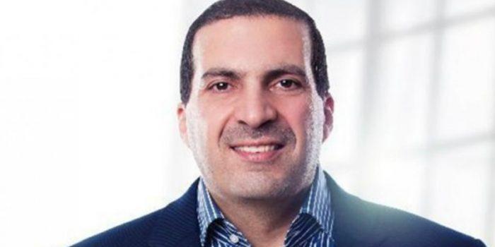 عمرو خالد من مسجد الحصري إلى إعلان الدجاج